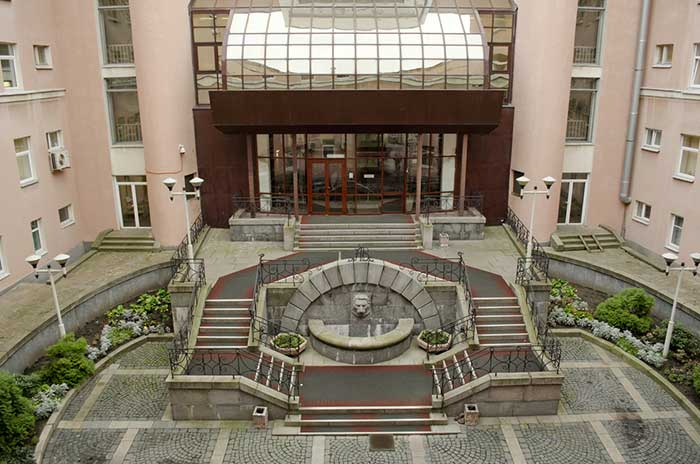 Адмиралтейские Верфи, медицинский центр