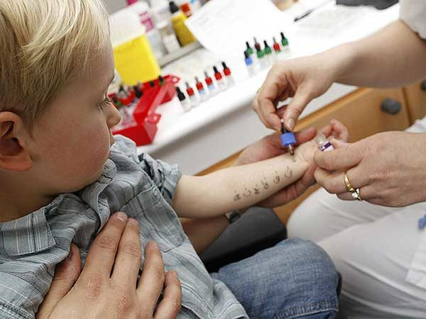 Как лечить аллергию у детей в домашних условиях